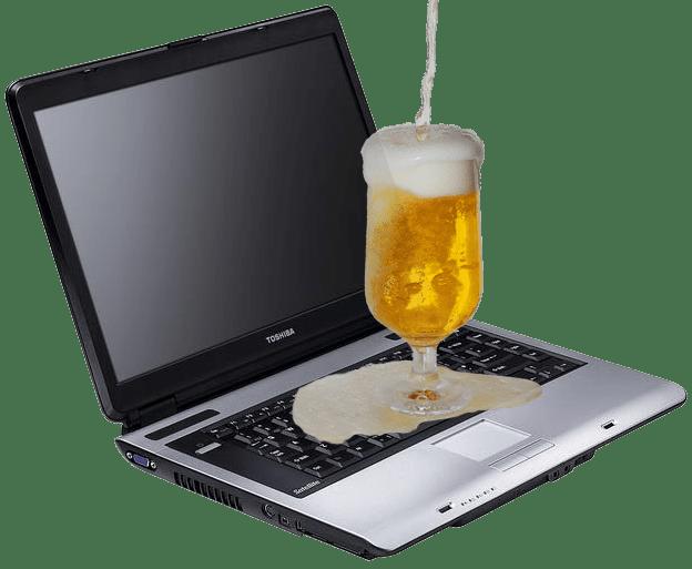 Залил ноутбук пивом