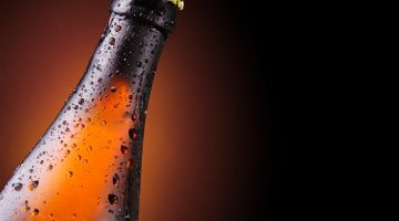 Бутылка пива по горлышко