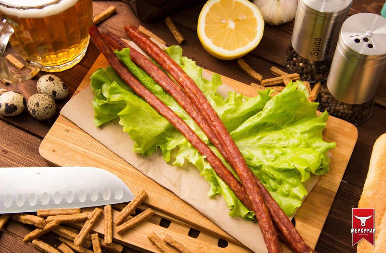Колбаски БИ-ФИ XXL из филе бедра цыпленка и свинины ск в/у, фасовка 0,5 кг