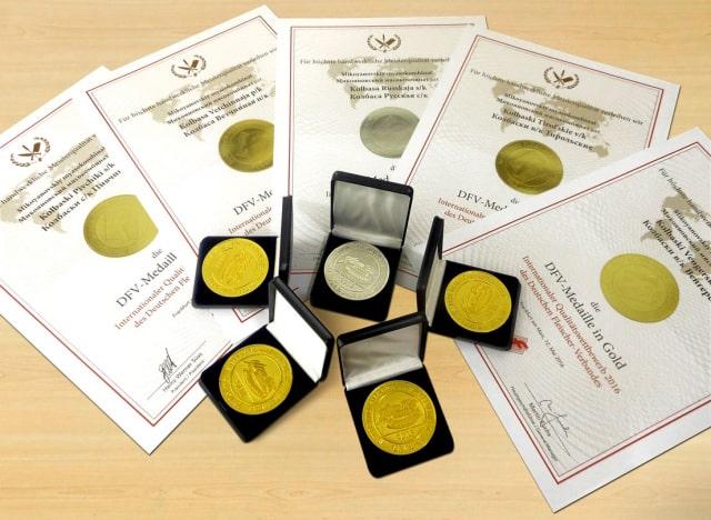 Золотые медали Микоян